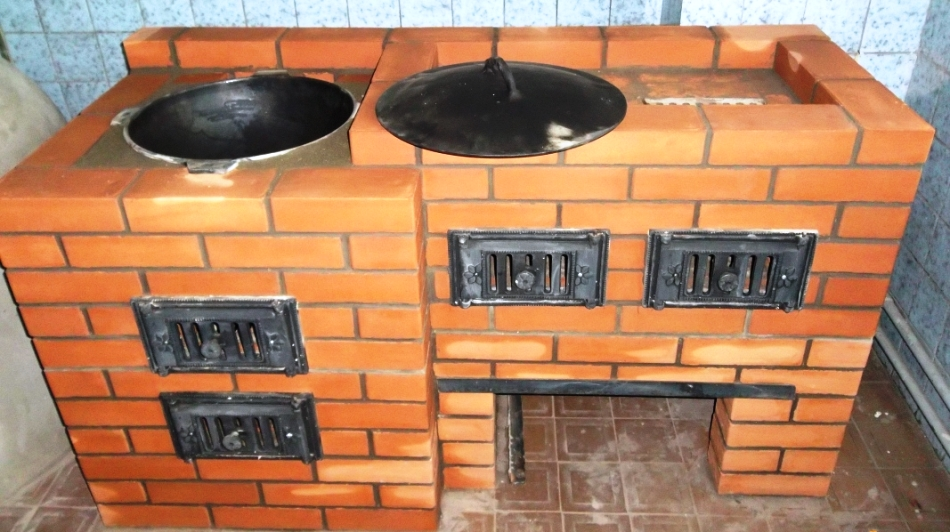 Печка под казан из кирпича